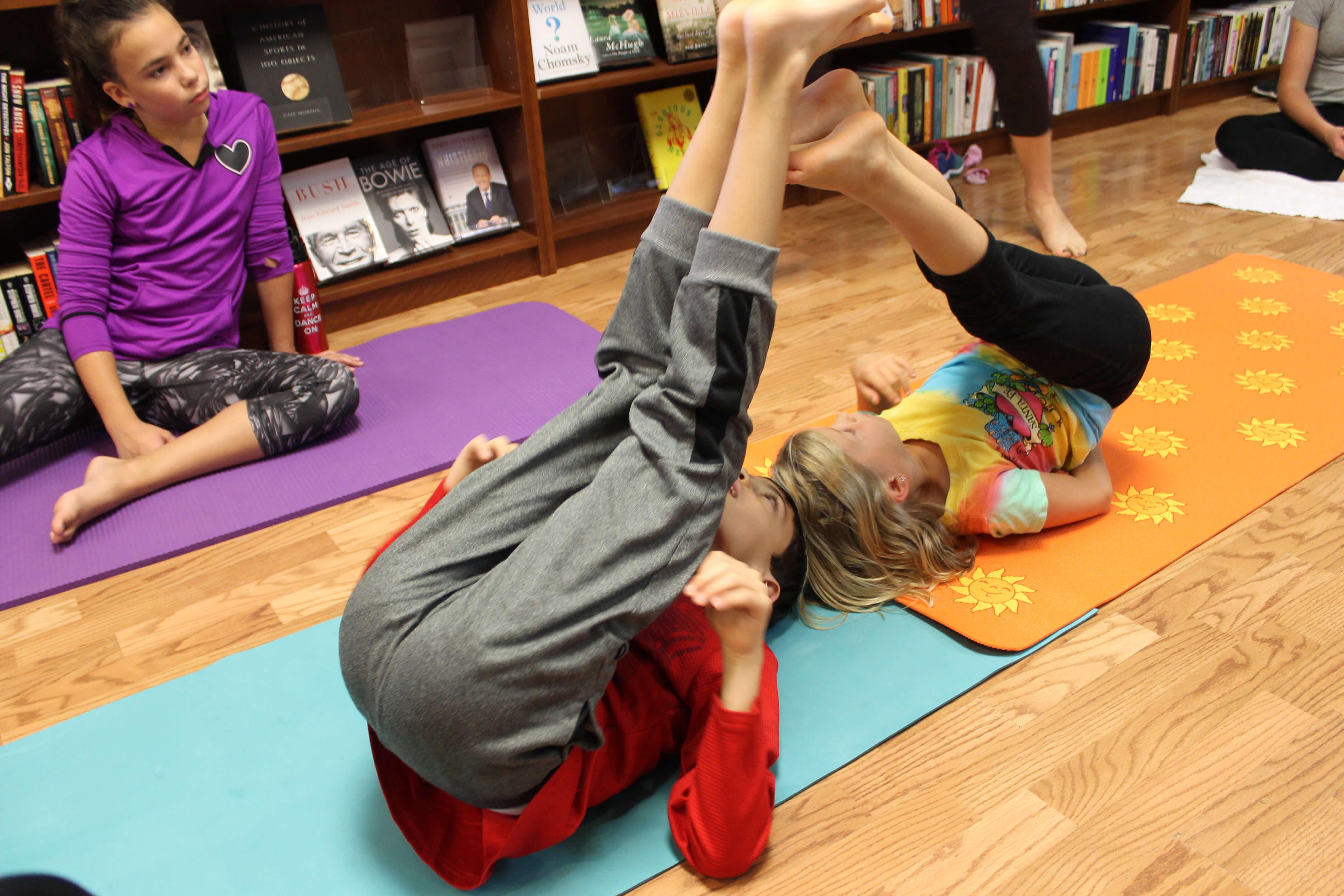 Free Fall Kids Yoga Lesson Plan - Go Go Yoga For Kids