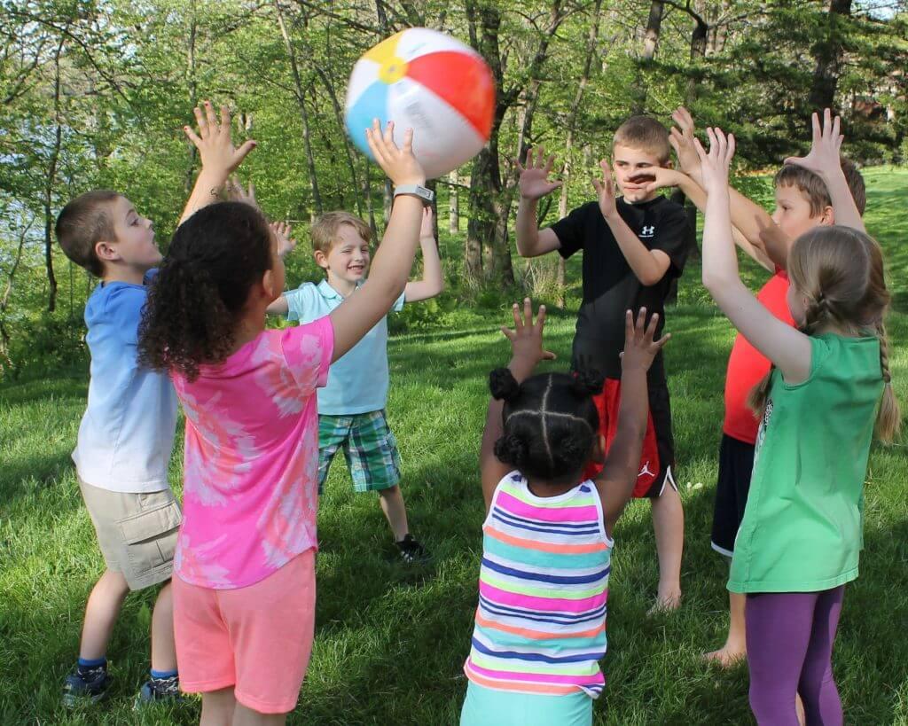 how to play yoga beach ball game